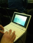 Asus_eeePC_4G_with_Debian_in_greek_fosscomm1